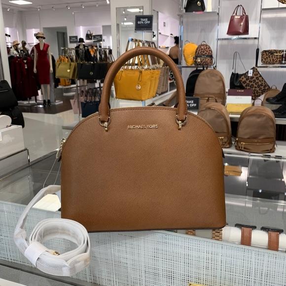 Michael Kors Handbags - Michael Kors Emmy Large Dome Satchel
